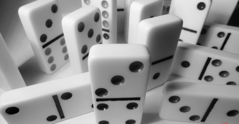 The rewards are high in the dominoes game as the gamblers are more here